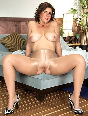 Big Boobs Pantyhose Porn Pictures
