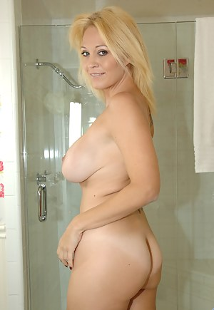 Big Boobs Perfect Ass Porn Pictures