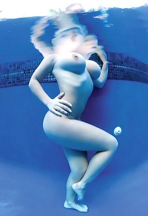 Big Boobs Underwater Porn Pictures