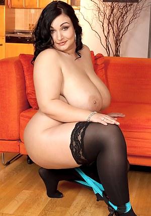 Big Boob Brunette Porn Pictures